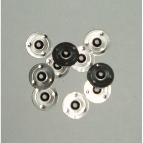 Embases métalliques pour mèche à bougie